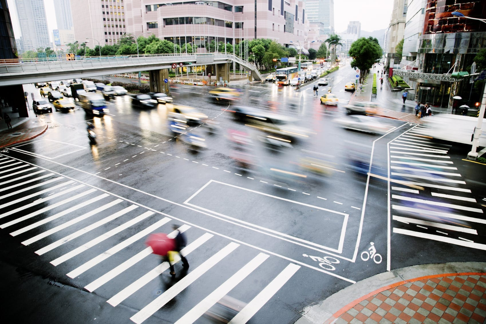 Busy Intersection In A Large City Stock Photo